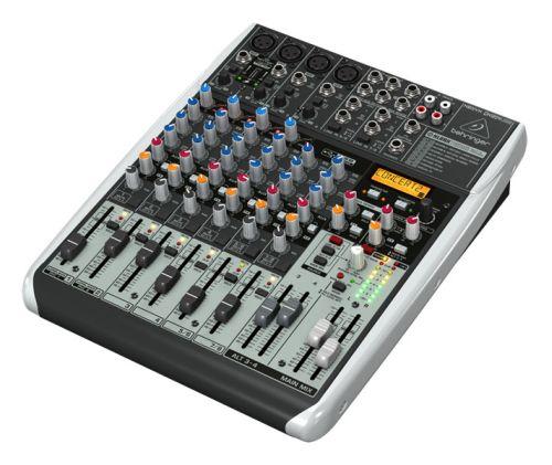 petite table de mixage Behringer